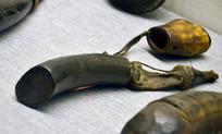 牛角制成的火药罐