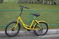 一辆小黄车