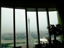 窗外的广州塔