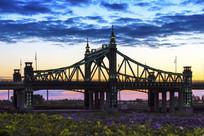 阳明滩大桥主桥晚霞风光