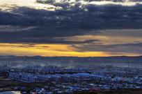 额尔古纳镇清晨霞光