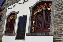 桃林沟小吃街窗户装饰