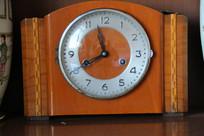老式台式钟表