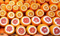 切开后诱人的橙子