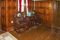 张作霖办公室缕空雕花方桌靠椅