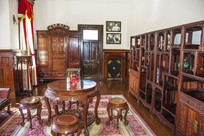 张作霖办公室木制圆桌凳古董柜