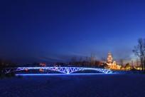 伏尔加庄园冬季桥梁夜景