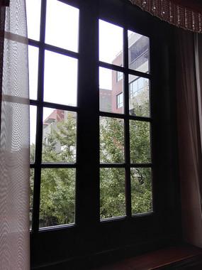 老洋房窗户