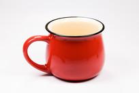一只红色茶杯