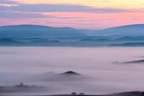 坝上早晨的平流雾