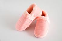 粉红色的保暖鞋