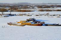 冬季停泊的鱼船