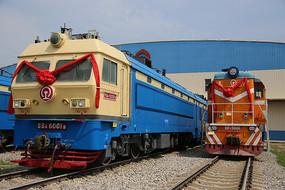 国产内燃机火车车头
