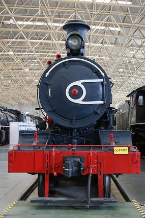黑色蒸汽机火车头