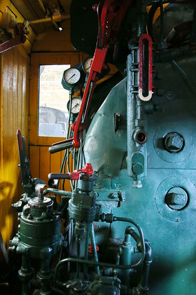 火车驾驶室的内部结构