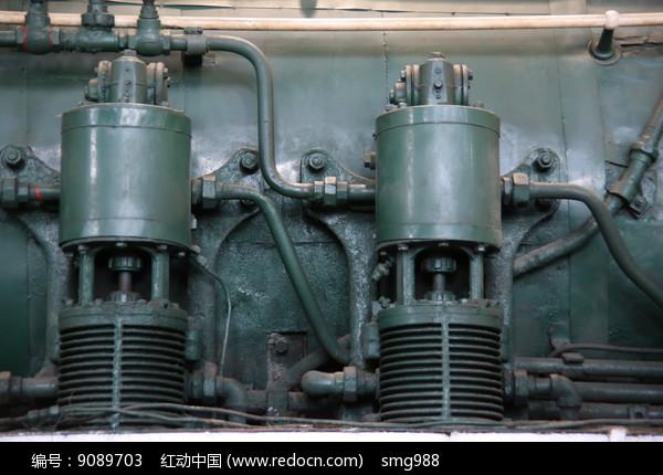 火车蒸汽机部件图片