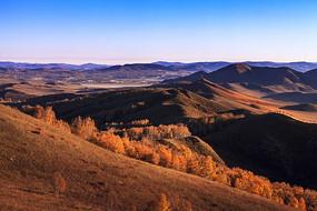 乌兰布统东沟秋季山脉
