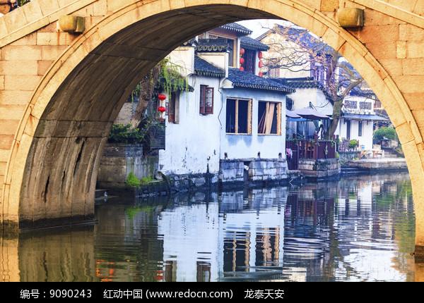 西塘古石桥日出人家倒影图片