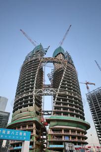 在建的丽泽SOHO的外景