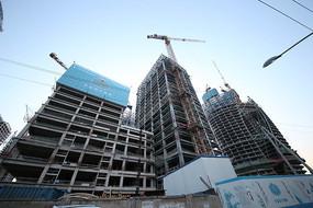 在建的丽泽商务区群楼