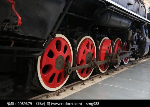 蒸汽火车车轮图片