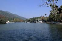 圭峰山玉湖漂亮的湖面