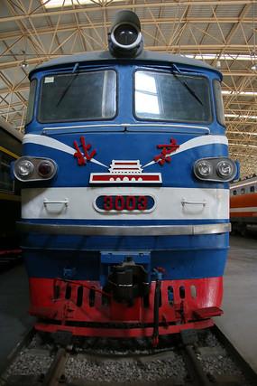 北京牌老式内燃机火车