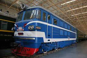 北京牌老式内燃机火车车头