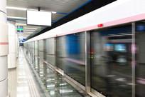 地铁站月台