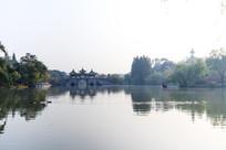 瘦西湖五亭桥白塔图片