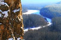 伊克萨玛激流河雪景