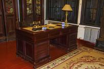 沈阳金融博物馆桌子台灯电话