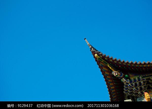寺庙的飞檐画栋图片