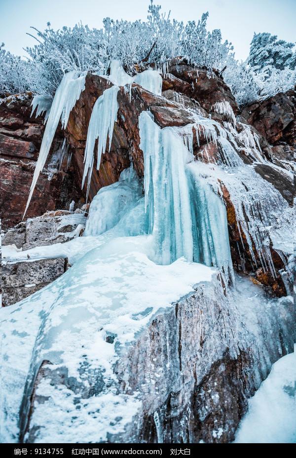 冰瀑景观图片