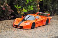 橘色玛莎拉蒂模型