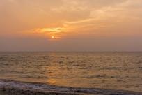 北海涠洲岛的五彩滩日出