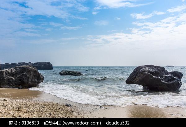 火山口边的海蚀石图片
