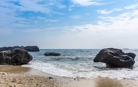 火山口边的海蚀石