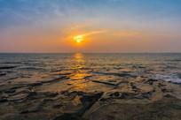 日出五彩滩