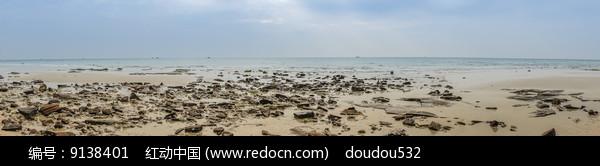 沙滩上的礁石 图片
