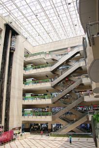 百荣购物中心大厅