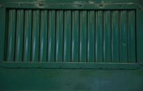 绿色火车铁窗背景