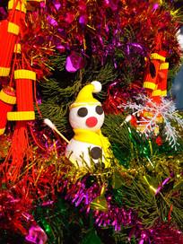 圣诞树上的雪人