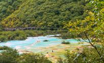 四川黄龙的五彩池风景