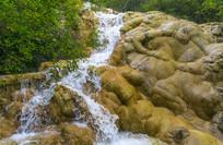 四川黄龙里的小溪