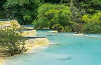 四川黄龙五彩池的水