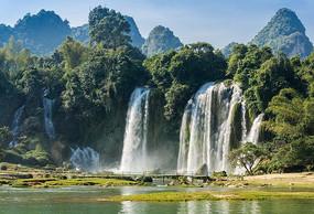 越南板约瀑布