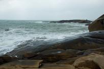 海南文昌石头公园海浪和岩石