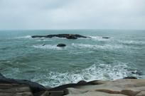 海南文昌石头公园眺望大海