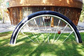 雕塑《自行车车轮》